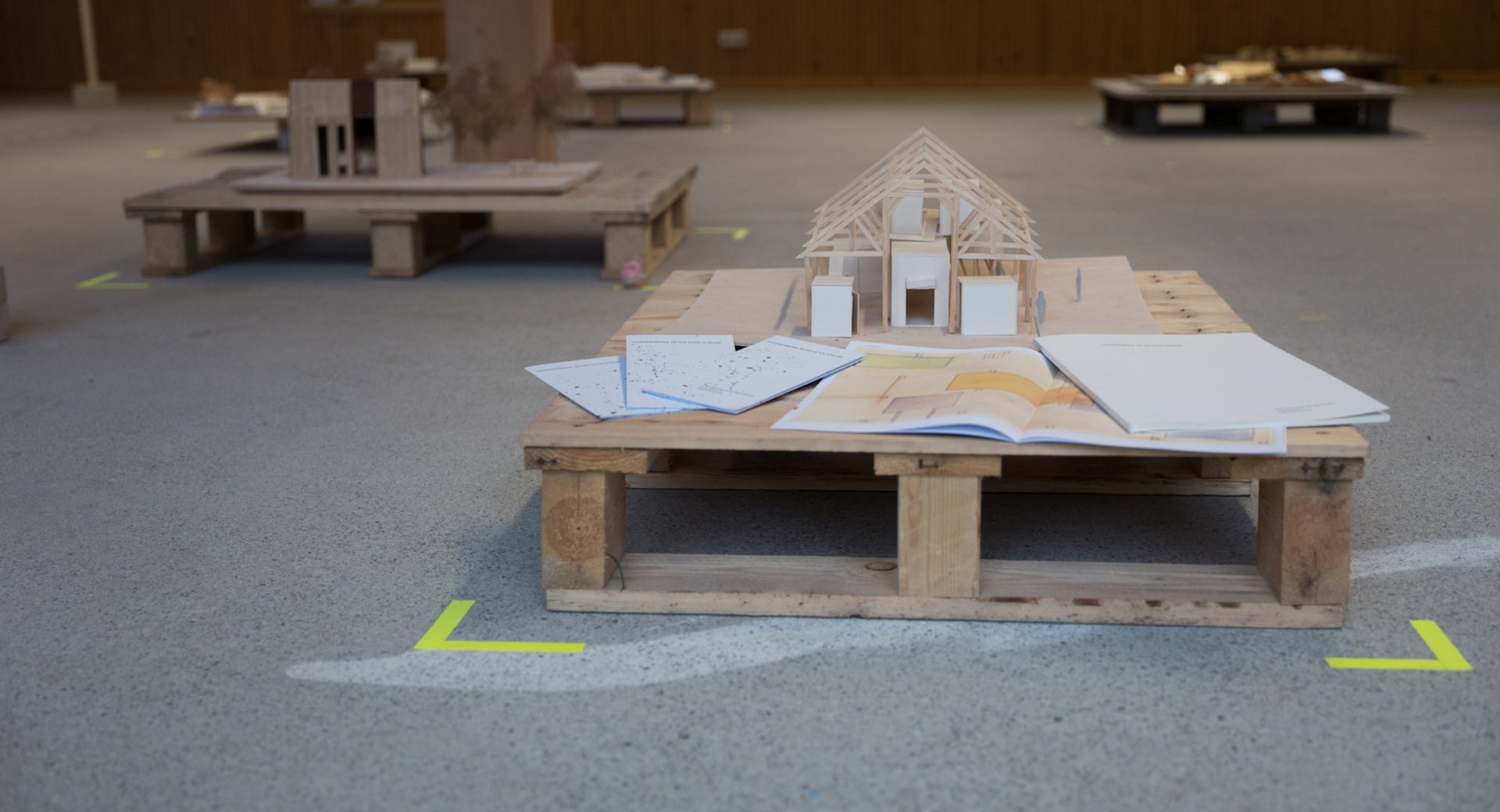Architekturmodell auf Palette